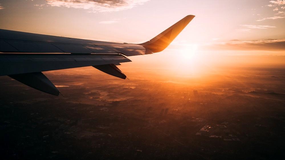 Klimakrise, Fliegen, Flugzeug, Himmel, Sonnenuntergang, easyJet CO2 Kompesantion