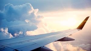 Flugzeug_Fliegen_CO2, Touristen, Tourismus