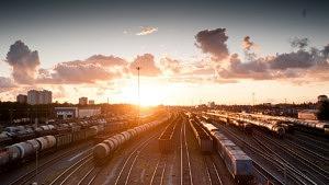 Mit dem Zug um die Welt, Traivelling macht's möglich, Zugreise, Zug, Reisebüro