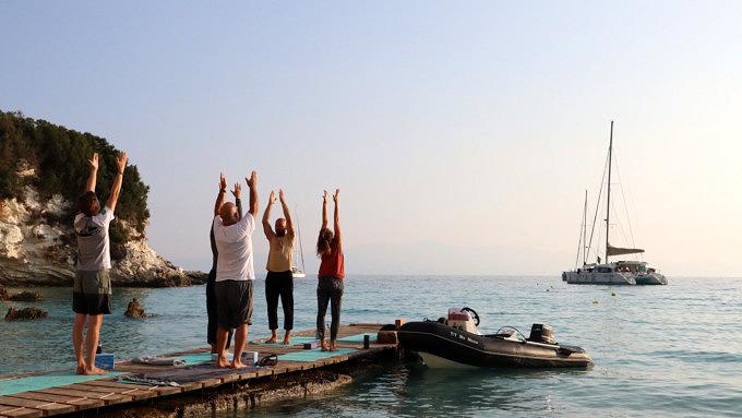 Yoga, Segel und Meer_Korfu_Griechenland