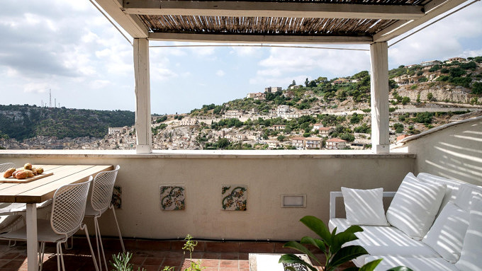 Casa Kimiyà, Sizilien